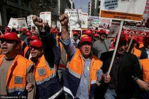 Забастовка парализовала работу госорганизаций Греции