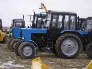 Новый трактор МТЗ меняют на 25 свиней