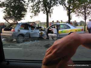 В Минске лоб в лоб столкнулись два автомобиля