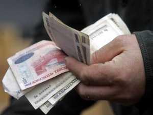 Кто в Беларуси получает меньше минимума?